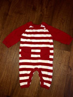 Newborn sweater outfit for Sale in Everett, WA
