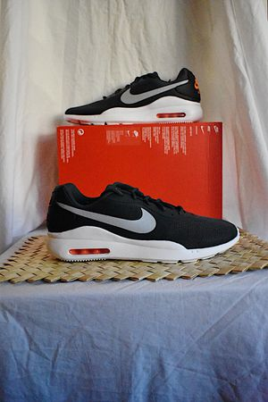 Nike Air Max Oketo | Sz. 12M | DS for Sale in Chino Hills, CA