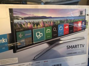 Samsung 32 in smart tv for Sale in Hemet, CA