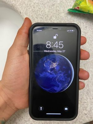 iPhone 11 plus for Sale in Houston, TX