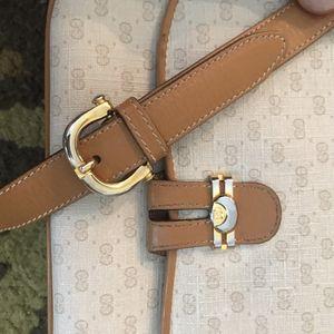 Vintage GUCCI Messenger Cross Body Shoulder Bag Purse Handbag (100% Authentic) for Sale in Denver, CO