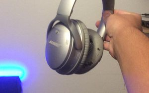 Bose QC35ii headphones, comes with original case and cord for Sale in Oceanside, CA