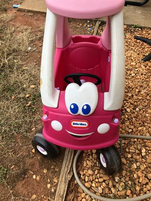Little Tikes Cozy Coupe for Sale in Oakwood, GA