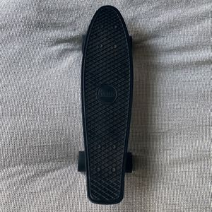PENNY SKATEBOARD BLACKOUT for Sale in Brooklyn, NY