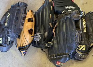 6 gloves baseball for Sale in Phoenix, AZ