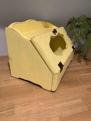 Farmhouse vintage style bread box for Sale in Glendora, CA