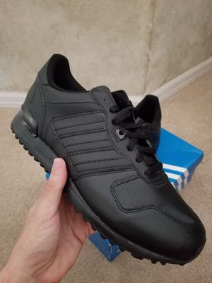 Adidas ZX700 *Authentic* Size 11 for Sale in Kailua, HI