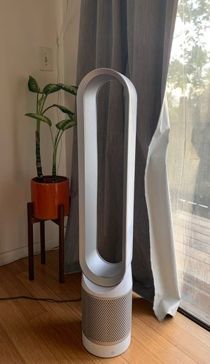 Dyson AM 11 Tower cooling fan in silver and white for Sale in Los Angeles, CA
