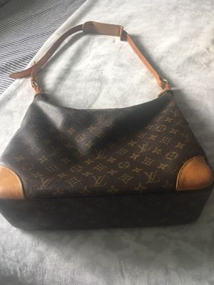 Lv purse Louis Vuitton Bag authentic for Sale in Homestead, FL