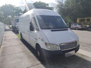 06 Freightliner Sprinter Van for Sale in Miami, FL