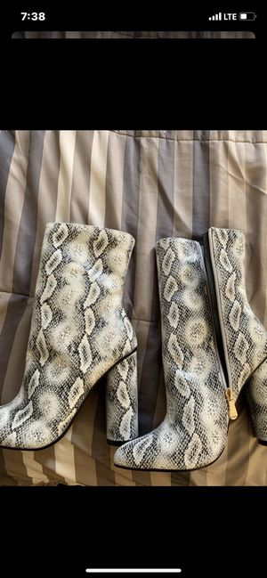 Snake skin boots size 6 for Sale in Highland, CA