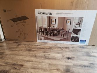 Thomasville Callan 9-piece Dining Set (BRAND NEW IN THE BOXES) for Sale in Auburn,  WA