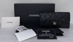 CHANEL CLASSIC FLAP WALLET for Sale in Corona, CA