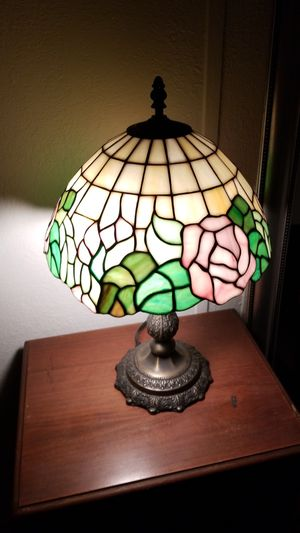Tiffany style stained glass lamp for Sale in Menifee, CA