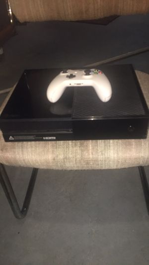 Xbox one 500gb for Sale in Evansville, IN