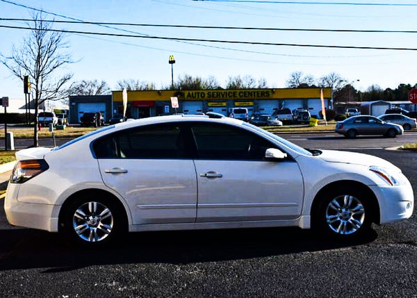 Asking $1000 2010 Nissan Altima