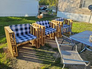 Pallet furniture ( chairs) for Sale in Arnold, MO