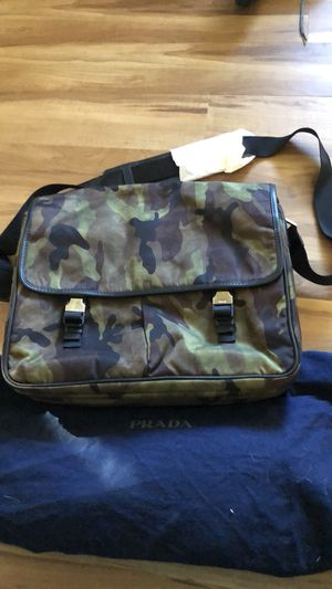Prada messenger bag BRAND NEW FROM SAKS for Sale in West Bloomfield Township, MI