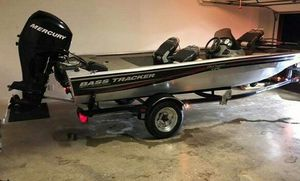 Bass Tracker 17ft Crappie with 4- Stroke 60hp for Sale in Antioch, CA