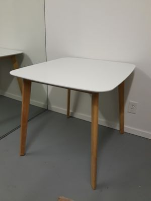 White Table for Sale in Wilton Manors, FL