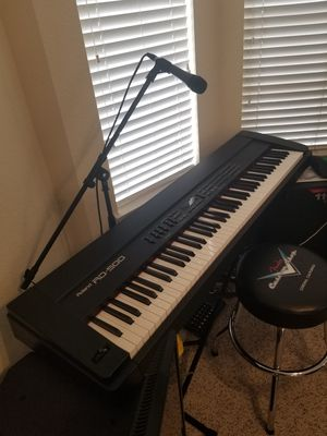 ROLAND RD500 88KEYS STAGE PIANO BRAND NEW for Sale in Rancho Santa Margarita, CA
