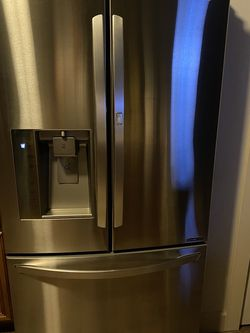 Free Refrigerator None Cooling for Sale in Prineville,  OR