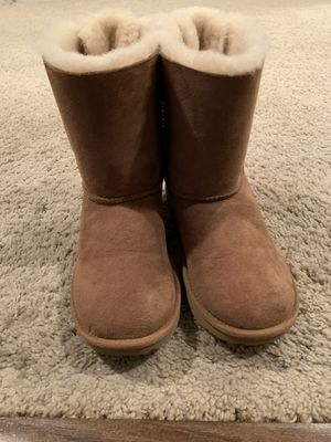 UGG Bailey Bow II for Sale in Bristow, VA