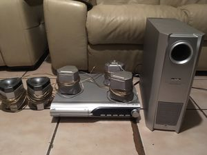 Jvc 5 disc DVD player full surround sound system for Sale in Orlando, FL
