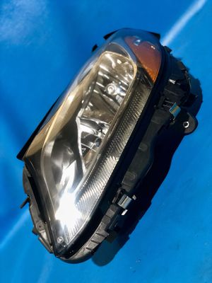 Mercedes Benz Left Headlight for Sale in Detroit, MI