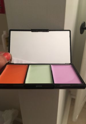 Pro concealer palette makeup never before used! for Sale in Arlington, VA