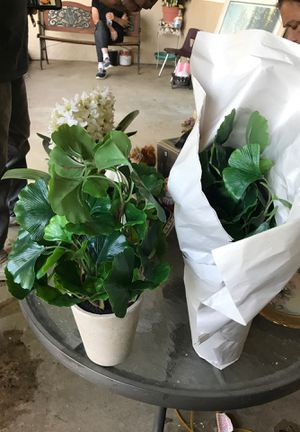 2 fake plants new for Sale in Riverside, CA