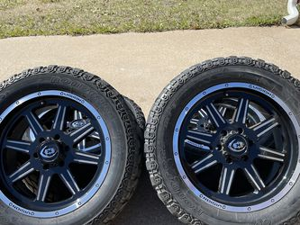 20 INCH VISION OFF-ROAD RIMS WITH 33x12.50R20 TIRES for Sale in Grand Prairie,  TX