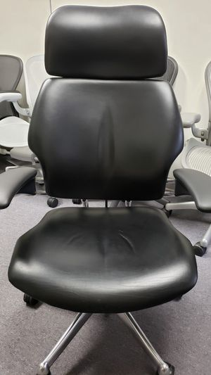 HUMANSCALE FREEDOM BLACK LEATHER POLISHED ALUMINUM CHAIR WITH HEADREST RETAIL $2200 for Sale in Alhambra, CA