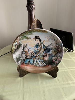 Hand Painted vintage Amazing Diameter 10 Inches Cabinet Plate Hand Painted By P C Chen. Condition is Used. for Sale, used for sale  ROCKAWAY BEAC, NY