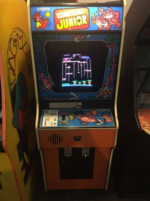 Nintendo donkey Kong jr arcade game in excellent condition for Sale in Northbrook, IL