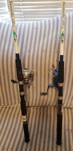 """Shakespeare fishing rod with real both 7""""10-15lb both 50 for Sale in Lodi, CA"""