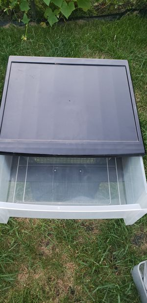 Sterilite plastic drawers for Sale in Des Plaines, IL