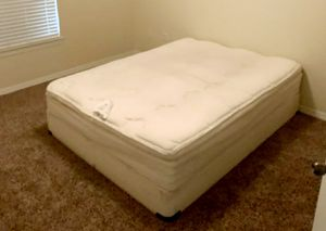 queen mattress and box spring for Sale in Riverview, FL