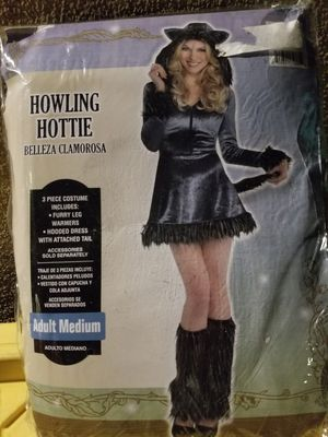 Howling Hottie wolf for Sale in Tustin, CA