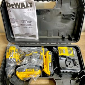 DeWalt Atomic Drill With Two Batteries (2.0) And Charger In Hard Case for Sale in Houston, TX