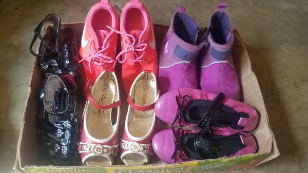 Girl 5 shoes, kids size 12; Each $3.5 / All 4shoes $12 (Nike SOLD)