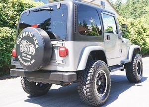 GOOD CAR JEEP WRANGLER 2001 4WD for Sale in Raleigh, NC