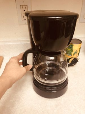 Small coffee maker 5 cups for Sale in Las Vegas, NV