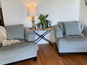 Set Of Armchairs & Side Table for Sale in Los Angeles,  CA
