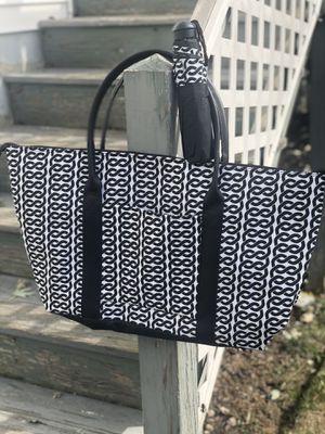 NEW Large Shoulder Weekend Bag & Umbrella Set for Sale in Malden, MA