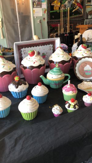 Ceramic cup cake Shaped Containers for Sale in Santa Ana, CA