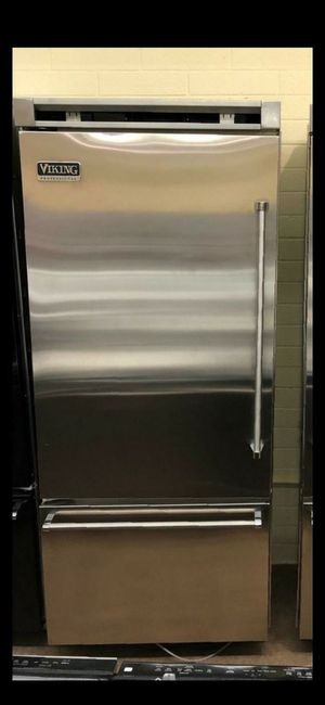 "Viking 36"" Fridge Bottom freezer built in stainless steel for Sale in Phoenix, AZ"