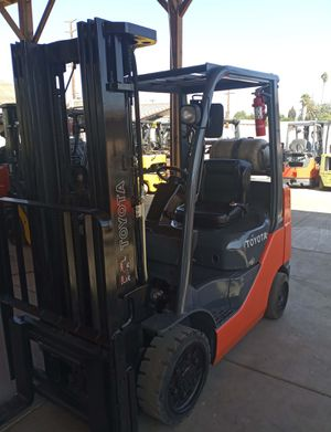 2016 TOYOTA FORKLIFT FOR SALE for Sale in Santa Ana, CA
