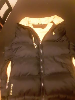 Great condition Black and yellow polo vest for Sale in Snellville, GA