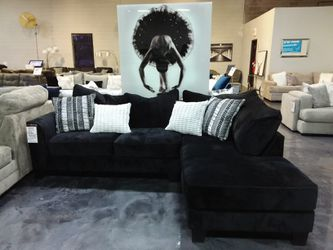 BLACK UPHOLSTERED SECTIONAL SOFA WITH ACCENT PILLOWS for Sale in Richardson,  TX